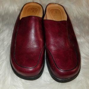 Murtosa Oxblood Leather Clogs